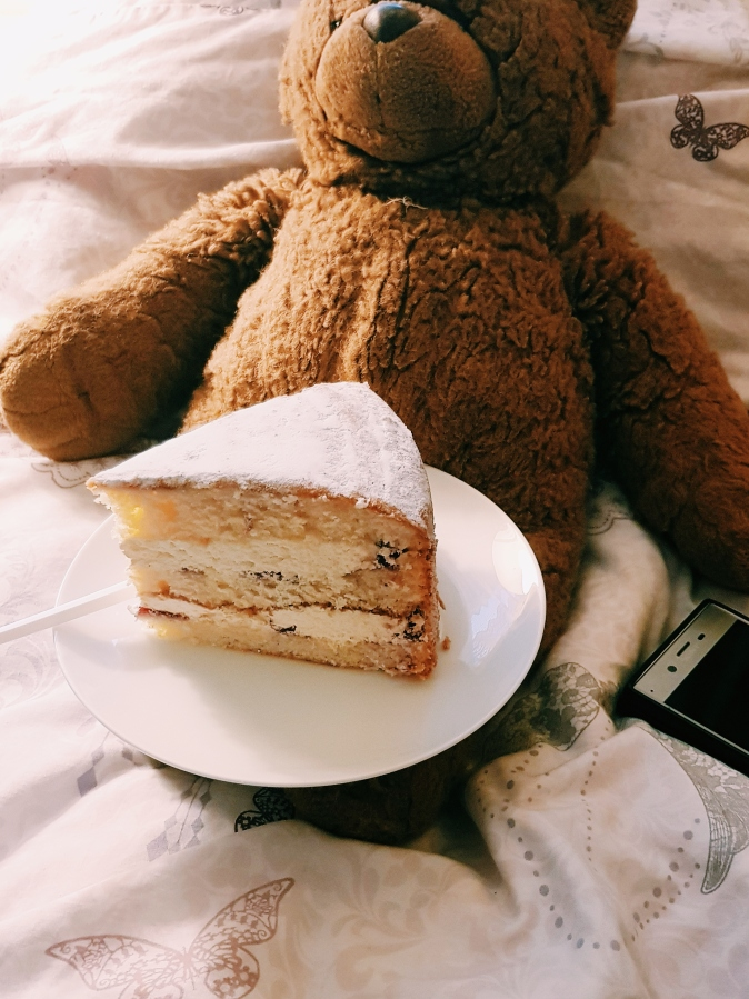 Cosy Winter Afternoons With Cake